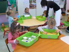 , free workshops of manipulation & experimentation -: - Montessori Trays, Montessori Toddler, Maria Montessori, Montessori Activities, Preschool Activities, Primary Education, Kids Education, Education Quotes, School Organisation