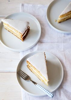 This Lemon and Lavender Buttermilk Cake might just be what sunshine tastes like. A light and fresh cake to enjoy on warm, spring afternoons. A recipe by Tessa Huff. Just Desserts, Delicious Desserts, Yummy Food, Baking Recipes, Cake Recipes, Dessert Recipes, Oreo Dessert, Cupcakes, Cupcake Cakes
