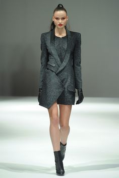 FALL 2011 READY-TO-WEAR  Jean-Pierre Braganza
