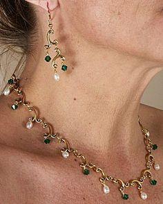 IDEA: Melody Necklace & Earring Set (eebeads.com)