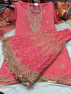 Indian Designer Outfits, Designer Dresses, Sharara Designs, Suits For Women, Clothes For Women, Eastern Dresses, Indian Gowns, Modest Wear, Party Wear Dresses