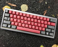 Just a TX60 teaser for those of you waiting. TX60 with GMK Burgundy. Credit to u/DanielT84