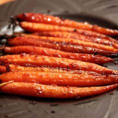 Miso Glazed Carrots vegan, plantbased, earth balance, made just right Aperitivos Vegan, Whole Food Recipes, Cooking Recipes, Fun Cooking, Easy Recipes, Dinner Recipes, Jai Faim, Glazed Carrots, Roasted Carrots