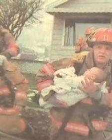 Iako mnogi ljudi odlaze iz naših života, ovaj vatrogasac pokazao je da veoma brine o svima onima koje je spašavao tokom rada u vatrogasnoj službi.