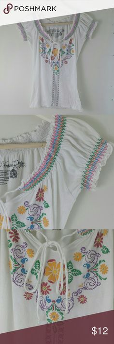 Floral boho peasant embroidery style blouse Cute top with floral embroidery like design. LOL Vintage  Tops Tees - Short Sleeve