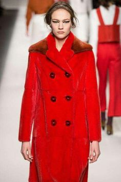 Fendi  ( Fall-Winter 2015, Womenswear )   @fendi #fendi #wwd #fashionweekmilan  #milan #fashionweekmilan #milanfashionweek #milanfashiontrends #mbfw #fashionweekmilan #getthebuzz716 c#wwd #fashiontrendsmilan #runwaytrends #fashiontrends2015 #runwaymodel