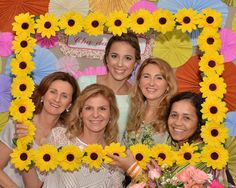 Selfie or photo booth Sunflower Party Themes, Sunflower Birthday Parties, Sunshine Birthday Parties, Sweet 16 Birthday, Baby Birthday, First Birthday Parties, First Birthdays, Sunflower Wedding Favors, Party Decoration