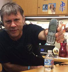 "Bruce Dickinson: ""Vivo sem Twitter, Facebook e todas essas besteiras"" ~ IRON MAIDEN 666 - BRASIL"