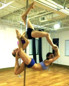 Awesome doubles trick, #pole trick Ballerina Moves, Pole Dance Fitness, Pole Moves, Pole Tricks, Pole Art, Poses For Photos, Fitness Studio, Double Trouble, Best Anti Aging