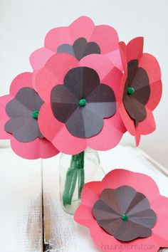 poppy flower art and craft - Yahoo Image Search Results Remembrance Day Activities, Remembrance Day Poppy, Paper Plate Poppy Craft, Paper Plate Crafts, Toddler Crafts, Crafts For Kids, Arts And Crafts, Wreath Crafts, Flower Crafts