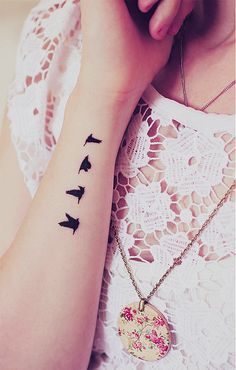 Bird sequence... Cute small tattoo # love tattoo ♥ # For more visit http://tattoooz com