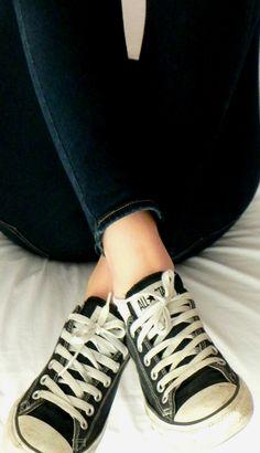 skinnies + converse.