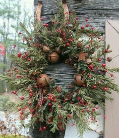 Lovin' this wreath!