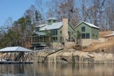 Perfect Home for the Lake!