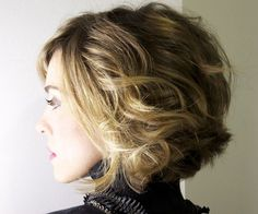 Short Wavy Haircuts for Women: Winter Hairstyle