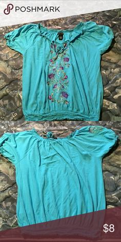 Boho Hippie Top Super cute top with sewn flowers and elastic waist rx Tops Blouses