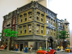 Beautifully done city block. Nice modification on the Fire Station. I might copy this cause I hate that set. What is LEGO's obsession with fire and police themes? Lego Modular, Lego Design, Lego City, Casa Lego, Modele Lego, Lego Creative, Amazing Lego Creations, Lego Architecture, Classic Architecture