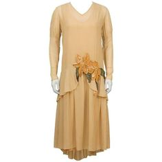 Preowned 1920's Peach Chiffon And Velvet Flapper Dress And Hat ($1,150) ❤ liked on Polyvore featuring dresses, beige, tea gowns, tea-length dresses, long sleeve ruched dress, velvet dresses, long sleeve velvet dress and 1920s flapper dress