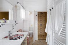 The Eco Haz offers of open plan living with a kitchen, dining, sitting and sleeping area and a separated bathroom with a full bath, shower and separate loo. Pretty Photos, Little Boxes, Country Farmhouse, Beautiful Bathrooms, Powder Room, Hungary, Beach House, Sweet Home, Bathtub