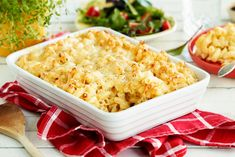 Enkel makaroni og ost (mac and cheese) Recipe Boards, Frisk, Cheddar, Macaroni And Cheese, Food And Drink, Pasta, Ethnic Recipes, Bacon, Mac And Cheese