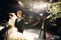 Photos from Wonder Girls' Sun's wedding ceremony revealed + bonus photo with Girls' Generation