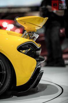 McLaren P1, Now that's a backside!