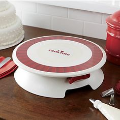 Cake Boss Decorating Turntable from Ginny's ®