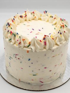 White Buttercream, Buttercream Filling, Frosting, Marble Cake, Holiday Cakes, Round Cakes, Classic Collection, Vanilla Cake, Birthday Cake