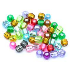 Hier finden Sie Kunststoffperlen und Buchstabenperlen in verschiedenen Größen und Farben.