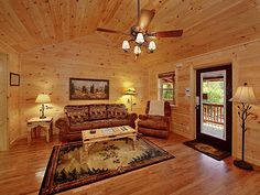 Pigeon Forge, TN: Wecome to Rustic Private Romance. This new two bedroom luxury cabin is located on the outskirts of Pigeon Forge and just a few minutes from Gatlinburg...