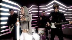 Frida Gold - Zeig mir wie Du tanzt (Official Music Video)