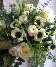 Anemones, ranunculus and roses bouquet by ROSMARINO / Pugét ze sasanek, pryskyřníků a růží