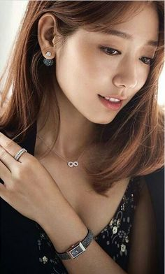 the incredibly gorgeous park shin hye for swarovski 2016 Park Shin Hye, Korean Beauty Girls, Korean Girl, Asian Beauty, Gwangju, Korean Actresses, Korean Actors, Diane Lane, Matthew Mcconaughey