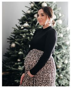 Winter Maternity Outfits, Stylish Maternity, Maternity Wear, Outfit Winter, Maternity Styles, Maternity Swimwear, Fall Pregnancy Outfits, Maternity Skirts, Pregnant Outfits