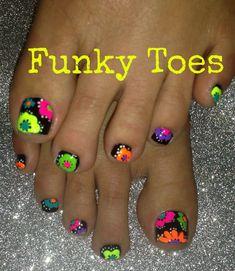 Neon toenail art flower design