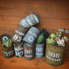 Succulents In Containers, Succulents Diy, Tin Can Crafts, Diy And Crafts, Diy Recycle, Recycling, Recycled Tin Cans, Barrel Table, Diy Cans