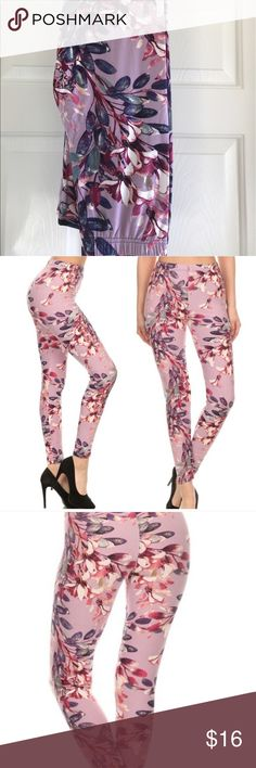 NEW Brushed Knit blush floral leggings OS OS leggings fit sizes 0-12. Blush floral print on the softest leggings- they compare well to Lularoe leggings! Elastic waistband. Bundle and save! Pants Leggings