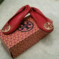 NWT Tory Burch flats NWT Red Tory Burch leather flats. New in box never worn. Only tried on in house. Size 5.5 Paid $195 Make an offer! Tory Burch Shoes Flats & Loafers