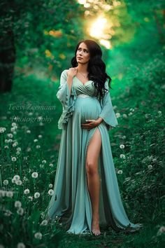 Boho Style Dresses, Fashion Dresses, Maternity Photography Outdoors, Hottest Female Celebrities, Beautiful Gowns, Pregnancy Photos, Maternity Dresses, Boho Fashion, Cute Outfits