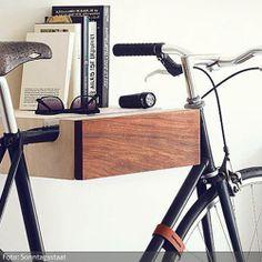 """Klasse Fahrrad-Regal von """"Sonntagsstaat""""; gesehen bei http://www.roomido.com/profil/sonntagsstaat_7614/photos/f/fahrrad-regal"""