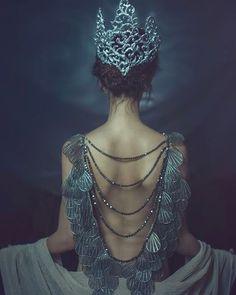 "2,573 Likes, 29 Comments - Fay Hart (@theladyofthegoldrings) on Instagram: ""Zhu Jajasgarden  jewelry by @namikabloom. #happy #elegant #dreamy #me #cute #jewelry…"""