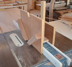 Want splines to strengthen your mitered corners? This jig makes it easy. Learn how to make your own in 5 simple steps.