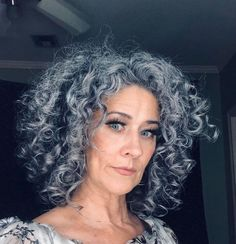 Check out why Tina embraced her natural grey hair. Haircuts For Curly Hair, Hairstyles Over 50, Curly Hair Cuts, Curled Hairstyles, Scene Hairstyles, Grey Hair Over 50, Long Gray Hair, Curly Silver Hair, Lilac Hair