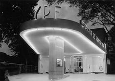 YPF service station, Buenos Aires, What a gem. Vanessa Bell, Drive In, Shop Facade, Streamline Moderne, Old Gas Stations, Filling Station, Art Deco Buildings, Building Art, Building Designs