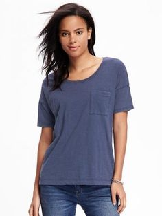 Old Navy Boyfriend Scoop Neck Tee For Women Size L Tall – Lost at sea navy Formal Tops, Casual Tops, Navy Tops, Blue Tops, Old Navy T Shirts, Shoes Too Big, Big And Tall Outfits, Tees For Women, Tall Women