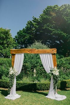 Wedding arch Wedding Arbor Rustic, Black And White Style, Amy, Wedding Day, Brown, Pi Day Wedding, Wedding Anniversary, Brown Colors