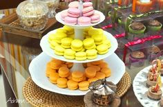 Instead of the macaroons comunus candy or cuppy cake