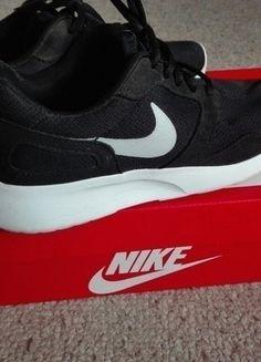 Kup mój przedmiot na #vintedpl http://www.vinted.pl/damskie-obuwie/inne-sporty/16533197-czarne-wygodne-i-lekkie-adidasy-firmy-nike
