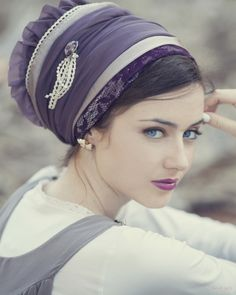 Should a Christian Woman Wear a Head Covering
