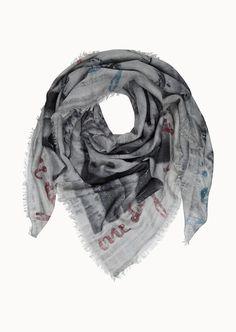 Leicht und zart ist das Design-Konzept beim Print-Tuch mit stilvollem digitalen All-Over-Muster. Das hübsche Design harmoniert perfekt mit dem weichen Stoffgemisch aus 100% Baumwolle....